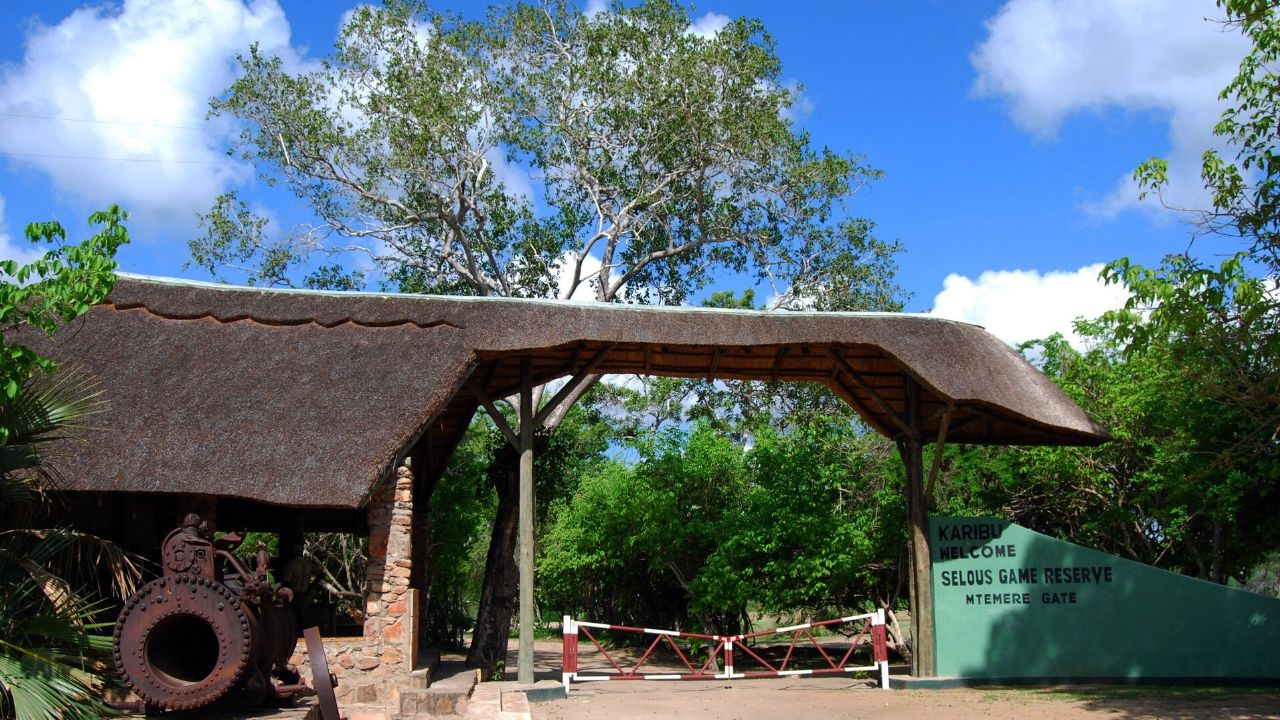 Safari Destination and Entrance fee Per Day